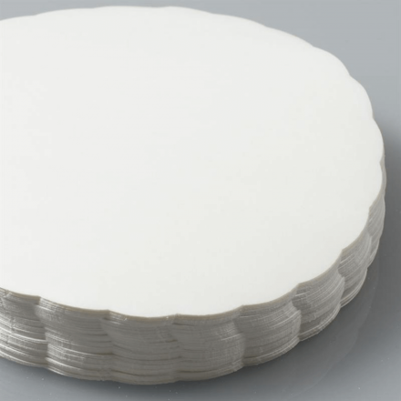 "White Scalloped Waxed 5"" Burger Discs (1000)"